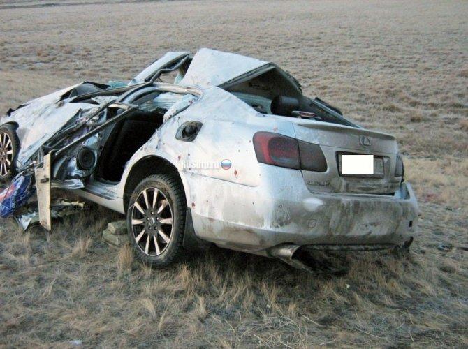Три человека из Lexus погибли около Шира в Хакасии 2.jpg