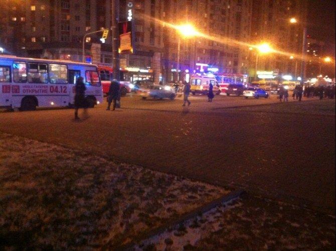 Пьяный водитель сбил девушку возле метро «Звездная» 1.jpg