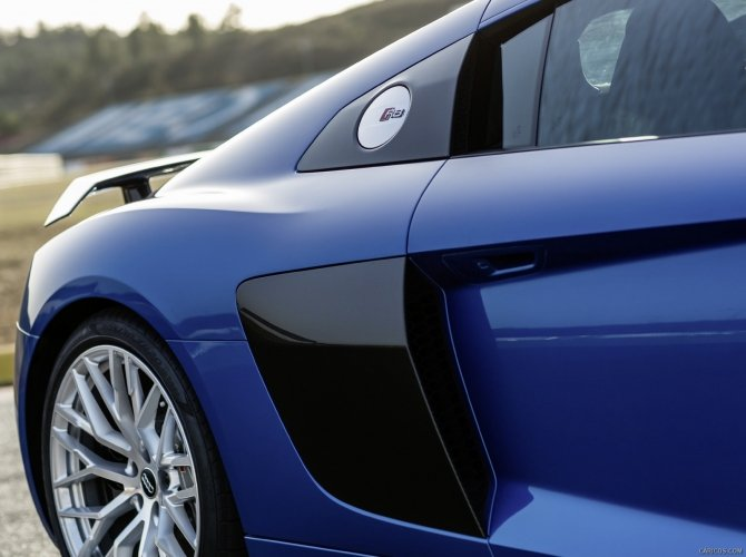 2016 Audi R8 11.jpg