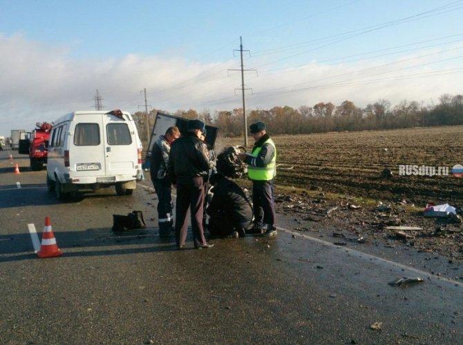 Три человека погибли в ДТП с фурой в Калининском районе 6.jpg
