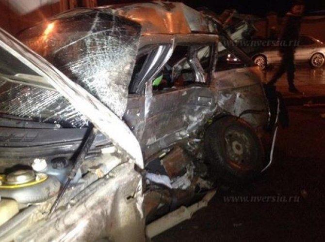 В Саратове в ДТП погибли муж с женой, их двухлетний ребенок в реанимации_3.jpg