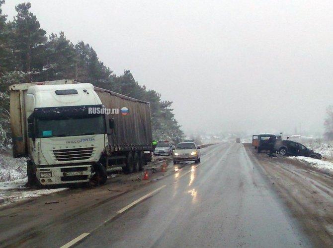 При столкновении Audi и грузовика под Димитровградом погиб человек_4.jpg