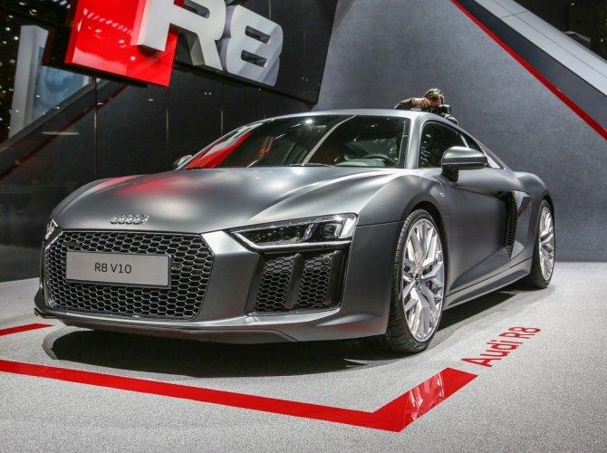 2016 Audi R8 4.jpg
