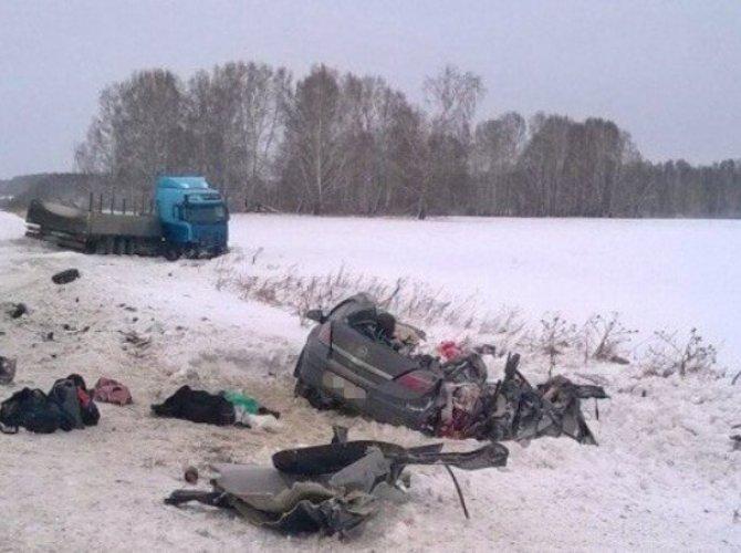 В ДТП под Новосибирском погибли четыре женщины.jpg