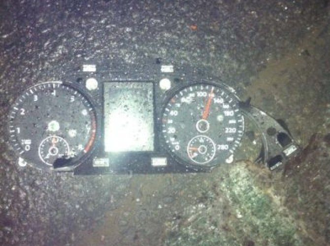 На Дальневосточном проспекте при столкновении Volkswagen со столбом погибла девочка 1.jpeg