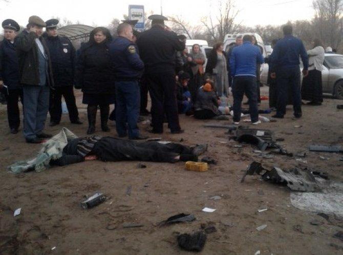 В Волгограде в ДТП с маршруткой и грузовиком погиб мужчина и ребенок 1.jpg