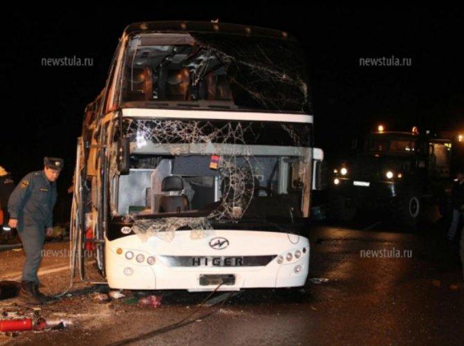 В ДТП под Тулой погибли 7 и пострадали 48 человек 5.jpg