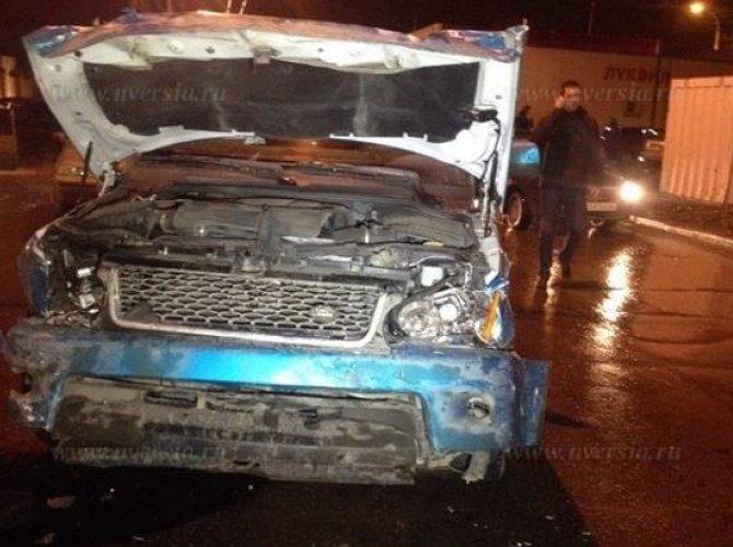В Саратове в ДТП погибли муж с женой, их двухлетний ребенок в реанимации_1.jpg