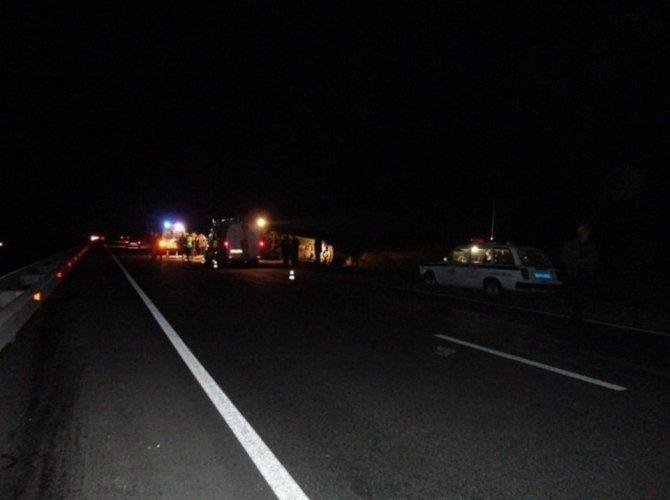 В ДТП с автобусом на трассе Иркутск-Братск погибли два человека.jpg
