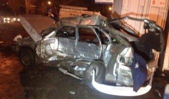 В Саратове в ДТП погибли муж с женой, их двухлетний ребенок в реанимации