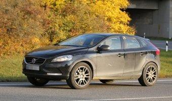 Volvo вывели на тесты новый компактный кроссовер XC40