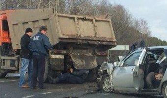 Под Мариинском в ДТП с КАМАЗом погиб человек
