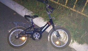 В Сосновом Бору под колеса машины погиб четырехлетний мальчик