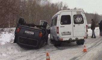 В Омске в ДТП с маршруткой пострадали 12 человек