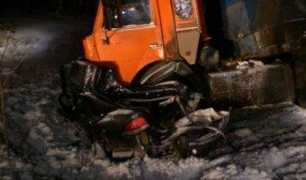 На трассе «Вятка» в Кировской области В ДТП с КАМАЗом погибла семья