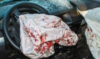 В Красноярске пьяный водитель врезался в автобус
