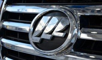Спрос на китайские автомобили в России упал в два раза