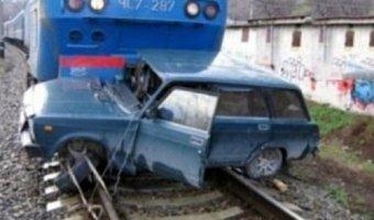 В Рязанской области на переезде поезд столкнулся с автомобилем