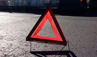 знак дтп При столкновении Peugeot и грузовика погибли двое