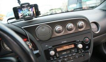 Как слушать интернет-радио за рулем? Что отпугивает водителей от новых технологий?