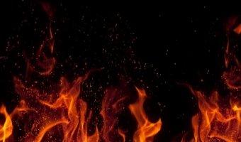 После ДТП в тоннеле на Нахимовском проспекте сгорели два автомобиля