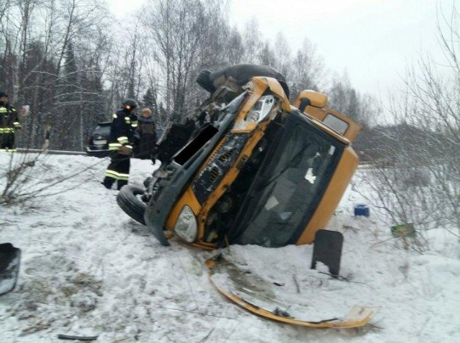 Под Верхней Пышмой в ДТП с автобусом пострадало пять человек (2).jpg