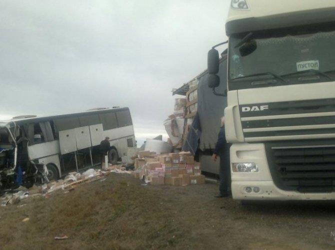 На Ставрополье в ДТП с участием автобуса погиб человек 2.jpg