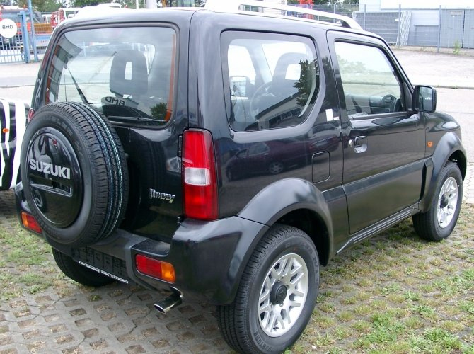 Suzuki Jimny (8).jpg