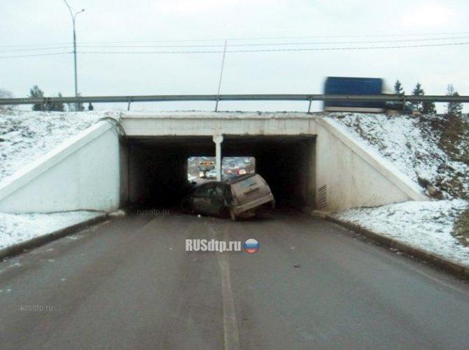 Водитель погиб, врезавшись в опору моста в Домодедовском районе (1).jpg