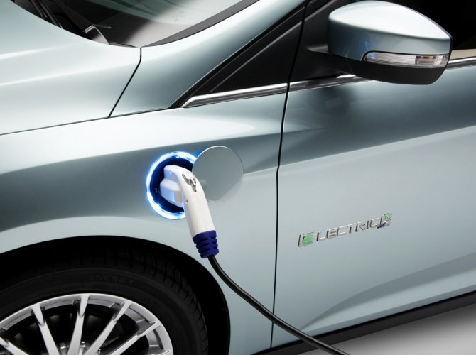 Электрический Ford Focus появится в 2016 году 2.jpg