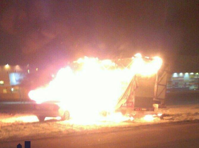 Пьяная автоледи из Красноярска сожгла две машины 1.jpg