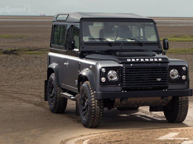 Land Rover Defender (3).jpg