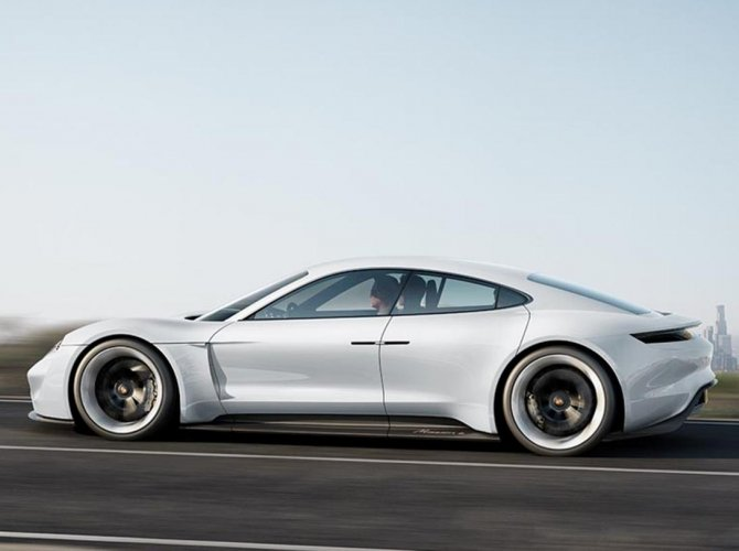 Porsche Mission E (1).jpg