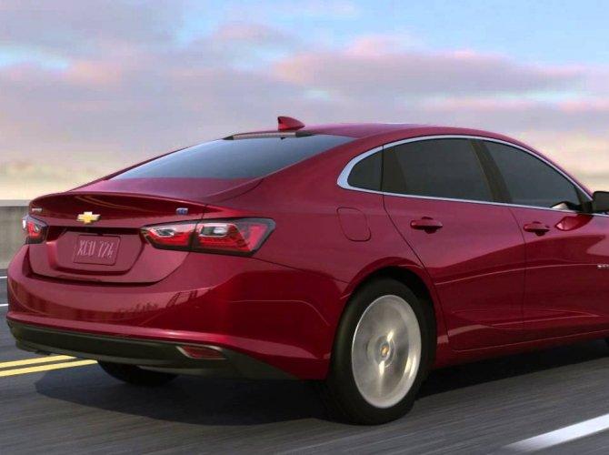 Стала известна стоимость гибридного Chevrolet Malibu LT 2.jpg