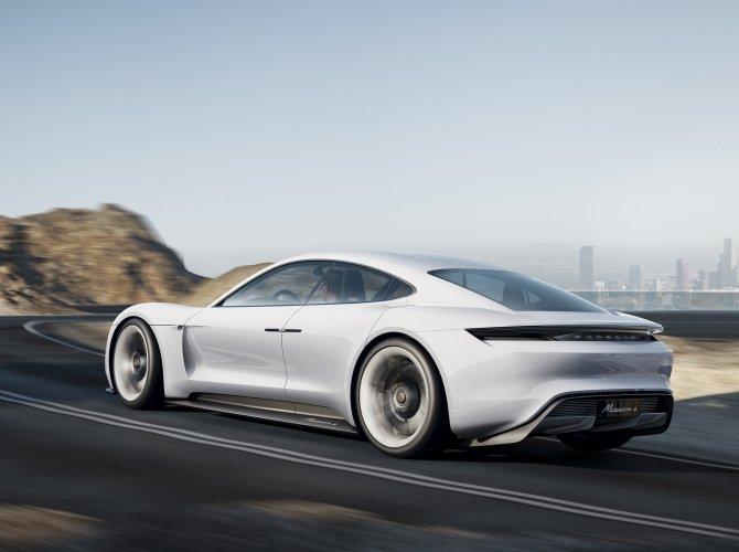 Porsche Mission E (2).jpg