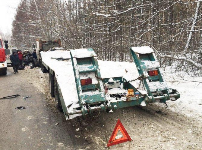 Три человека погибли в ДТП с КАМАЗом в Томске 1.jpg