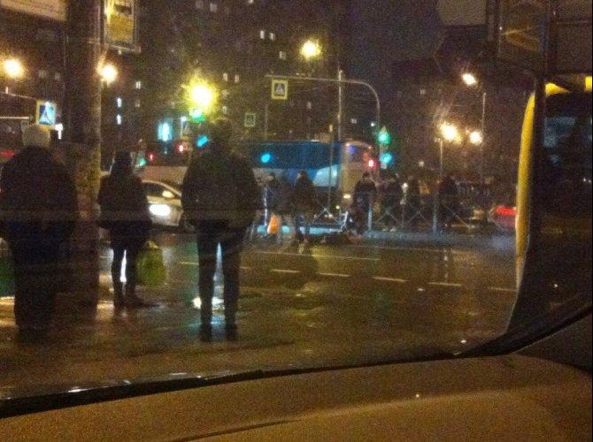 У метро «Гражданский проспект» насмерть сбили пешехода (2).jpg