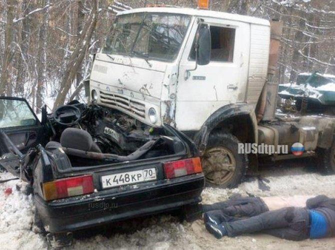 Три человека погибли в ДТП с КАМАЗом в Томске 2.jpg