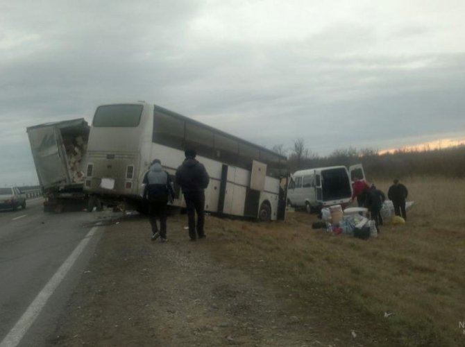 На Ставрополье в ДТП с участием автобуса погиб человек 1.jpg