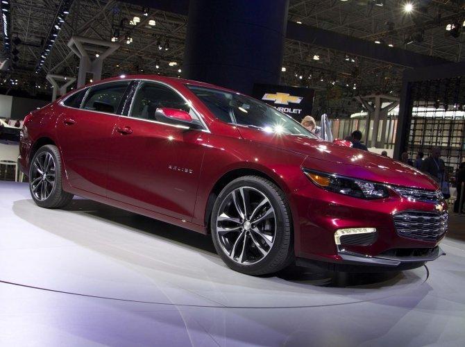 Стала известна стоимость гибридного Chevrolet Malibu LT 1.jpg
