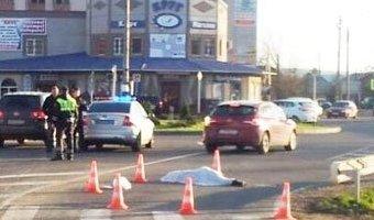 В Апшеронске под колесами фуры погибла женщина