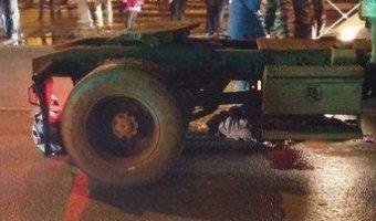 В Красном Селе под колесами грузовика погибла женщина
