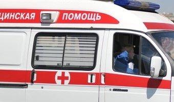 В Калмыкии из-за сильного ветра опрокинулся автобус
