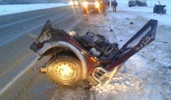 Под Богдановичем на трассе Тюмень - Екатеринбург в ДТП погибли три человека