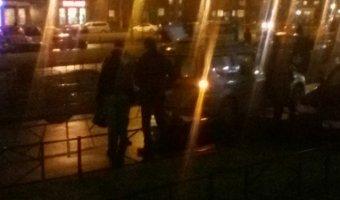 На Авиаконструкторов сбили женщину на тротуаре