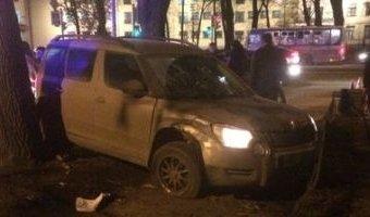 На Стачек женщина сбила четырех человек на тротуаре
