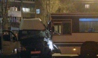 В Воронеже в ДТП с автобусом пострадали пять человек