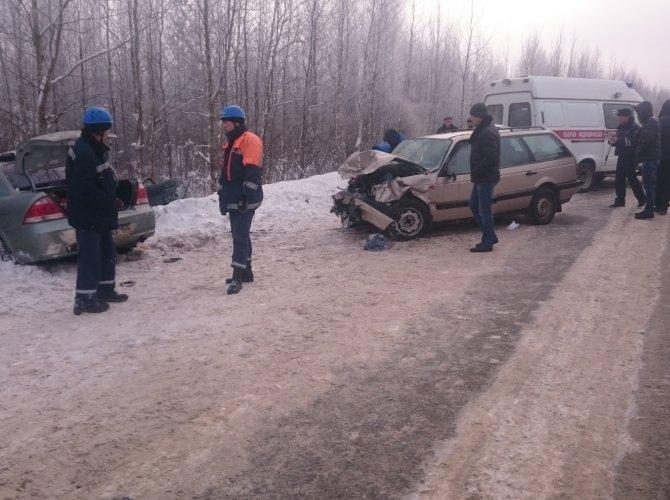 На трассе Тверь – Бежецк в ДТП погибли два человека 1.jpg