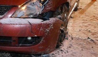 """В Киеве три вора, скрываясь с места кражи на """"Фольцвагене"""", разбили по дороге два авто и были пойманы"""