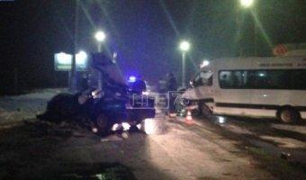 На Никольском шоссе в лобовом столкновении пострадали люди